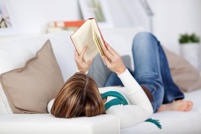 Romlik-e a látás az olvasásból fekve