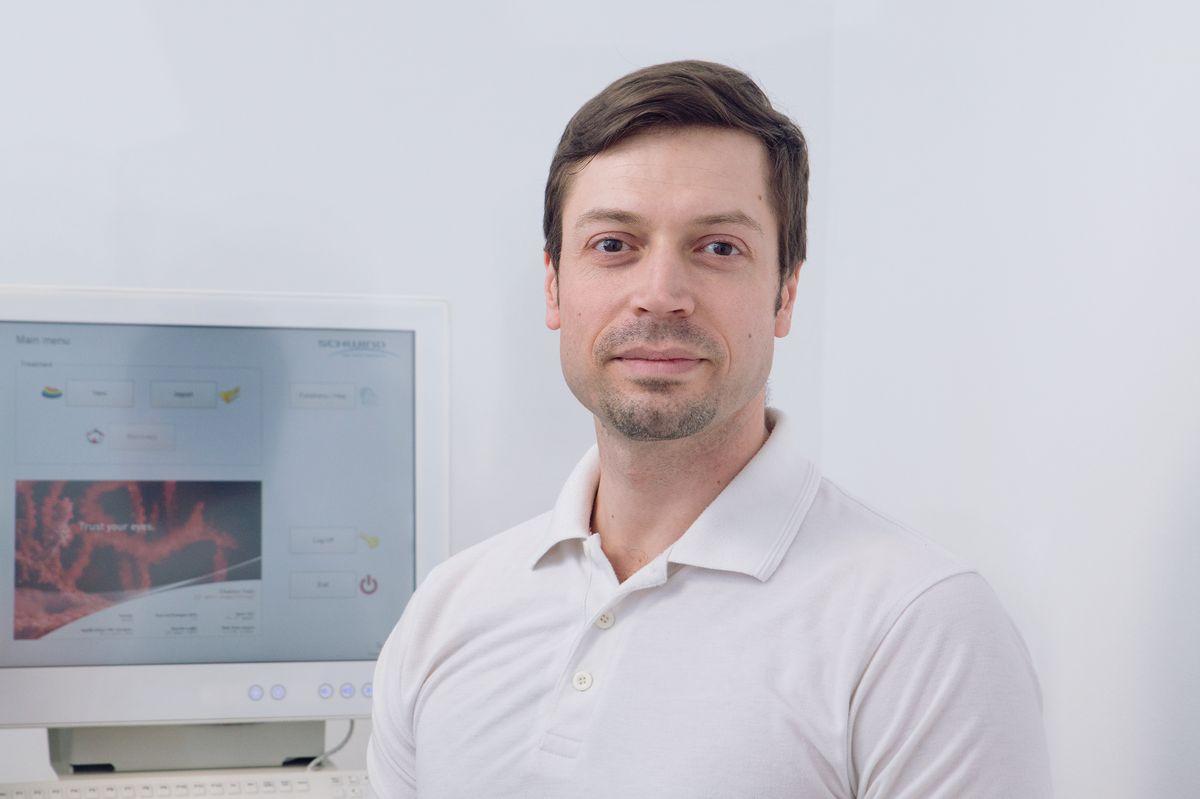 Dr. Szekrényesi Csaba