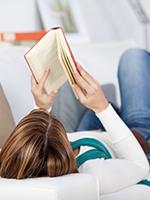 Árt a szemnek, ha ágyban fekve olvas?