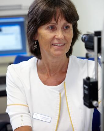 Dr. Máté Andrea